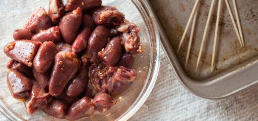 Способ приготовления вкусного маринада для шашлыка из куриных сердечек